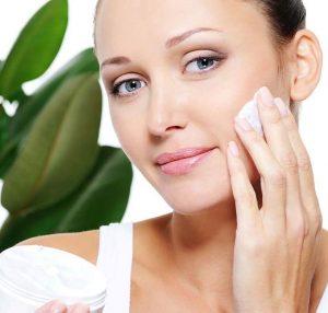 جوانسازی پوست با دارو گیاهی یکی از مهم ترین راه ها برای جوانسازی پوست شما