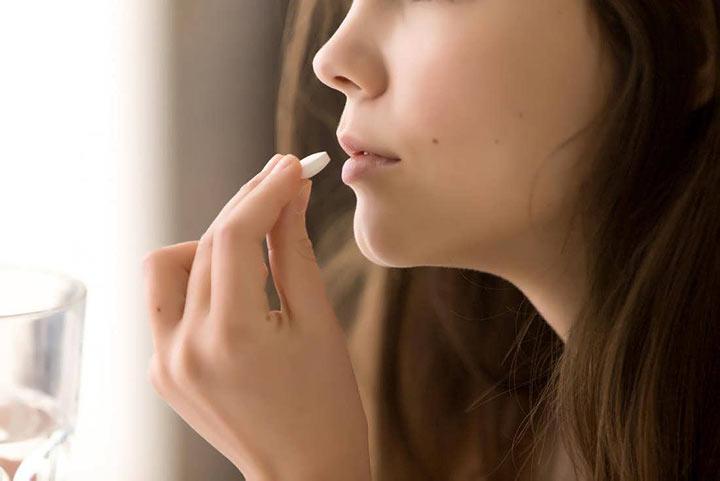 کپسول آزیترومایسین برای درمان جوش صورت با دارو